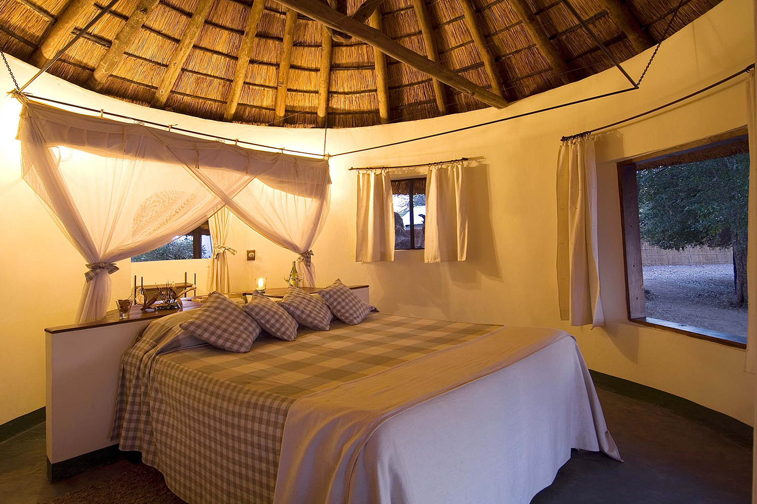 nsefu camp lodge-zambia-in-style-travel-safari-packages-lodges-south-luangwa-national-park-bedroom