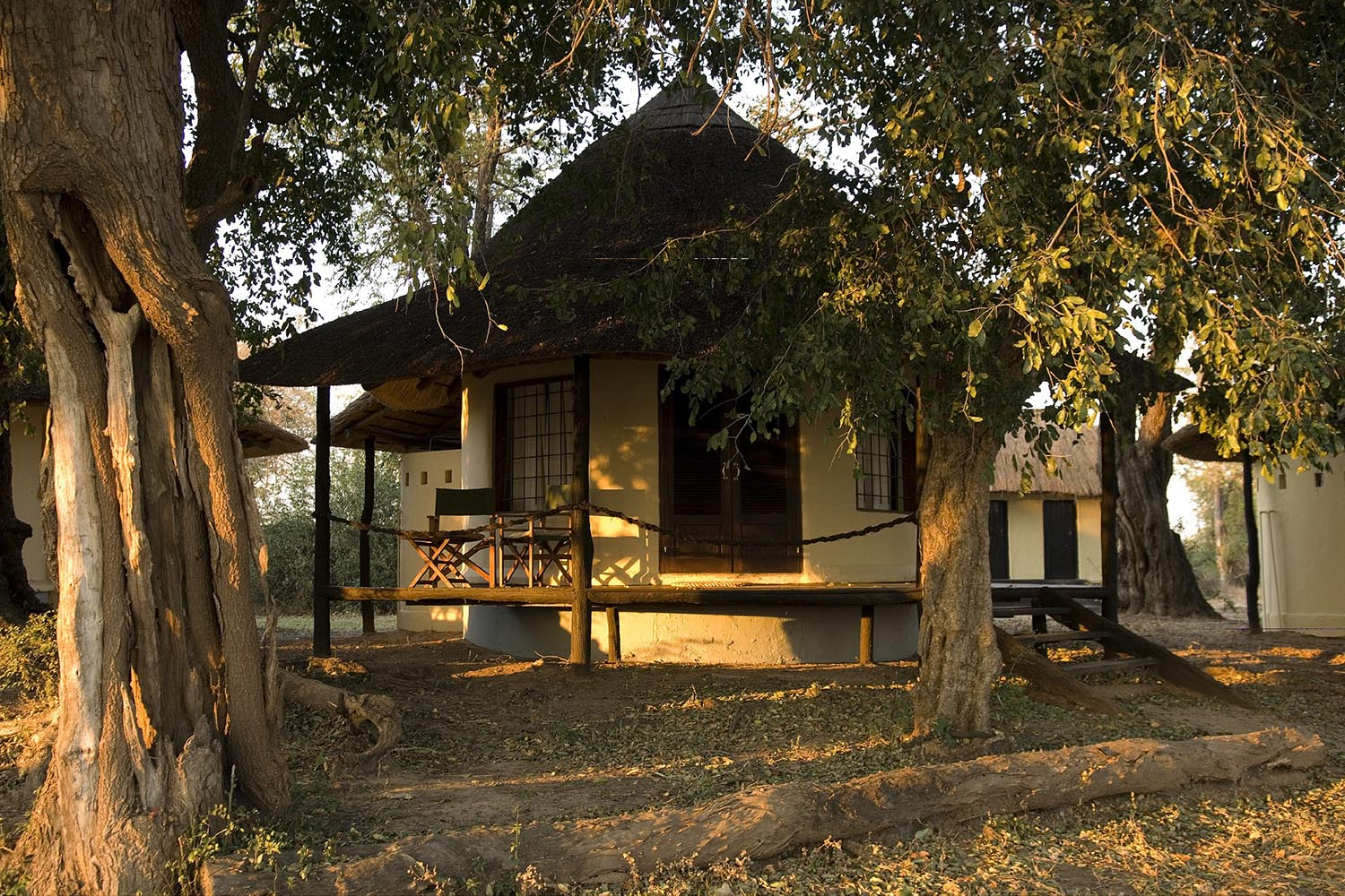 nsefu camp lodge-zambia-in-style-travel-safari-packages-lodges-south-luangwa-national-park-camp-exterior