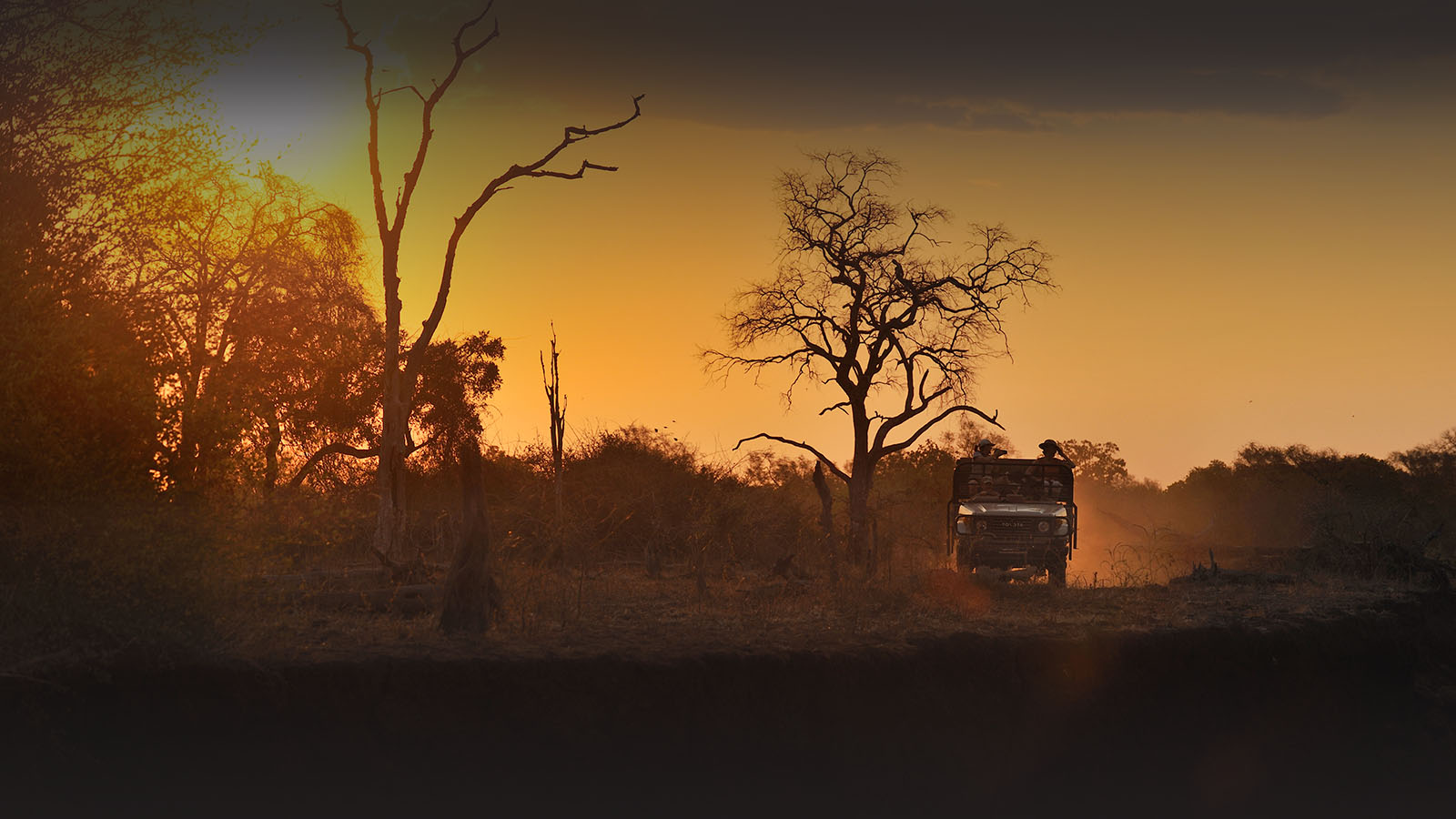 tafika-camp-lodge-zambia-in-style-tours-safari-packages-lodges-south-luangwa-national-park-sunset-driving