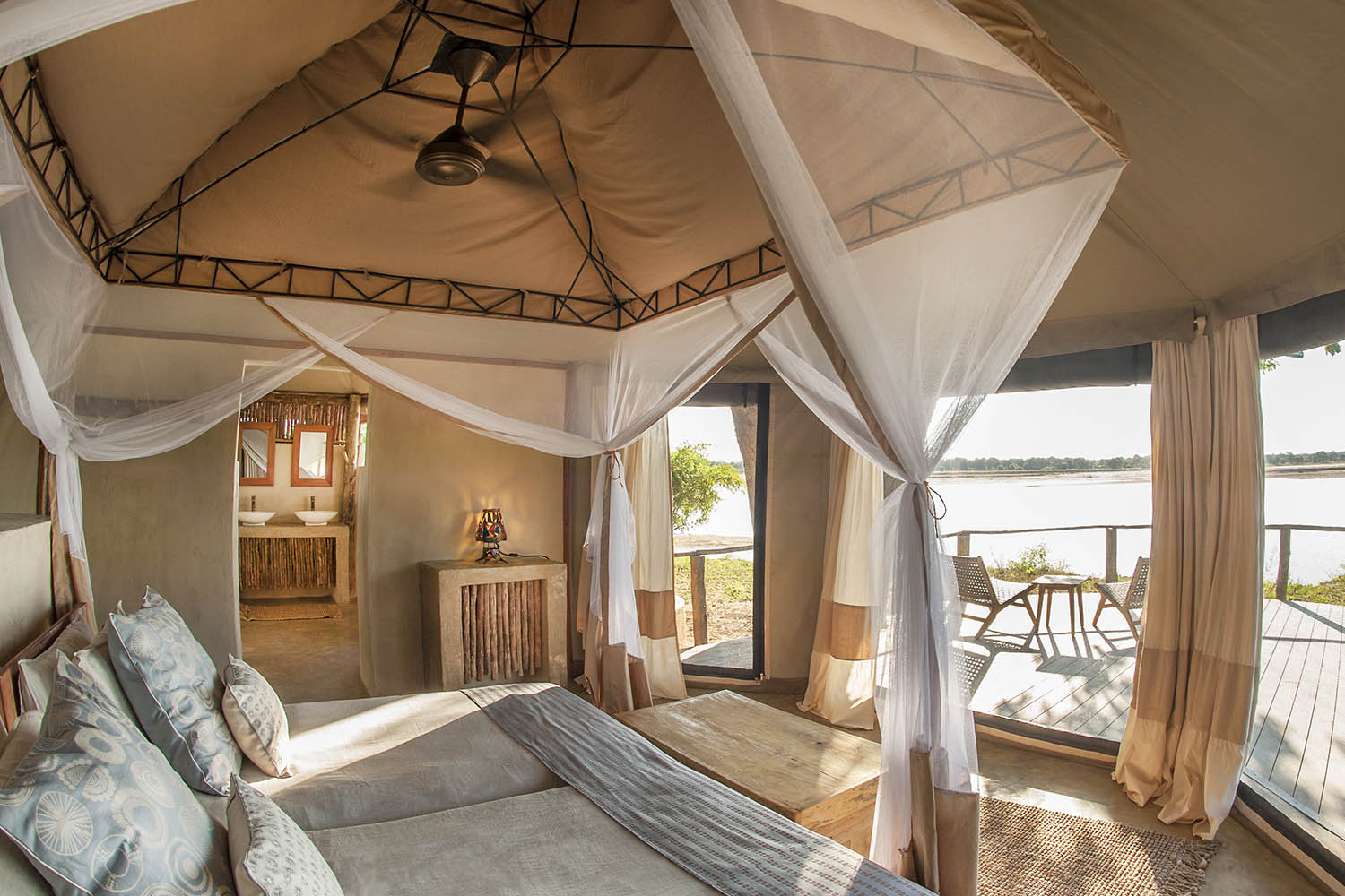 three rivers camp zambia-in-style-tours-travel-safari-packages-lodges-south-luangwa-bedroom