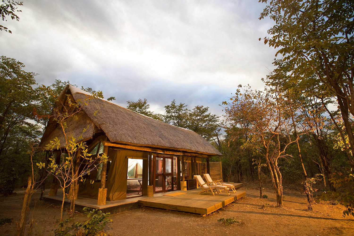 zungulila bushcamp lodge-zambia-in-style-safari-packages-lodges-south-luangwa-national-park-lodge-exterior