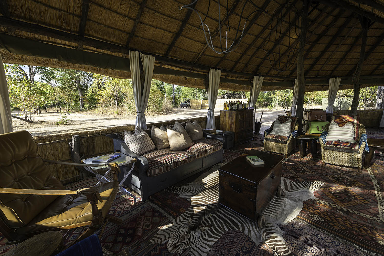 zungulila bushcamp lodge-zambia-in-style-safari-packages-lodges-south-luangwa-national-park-lounge-area