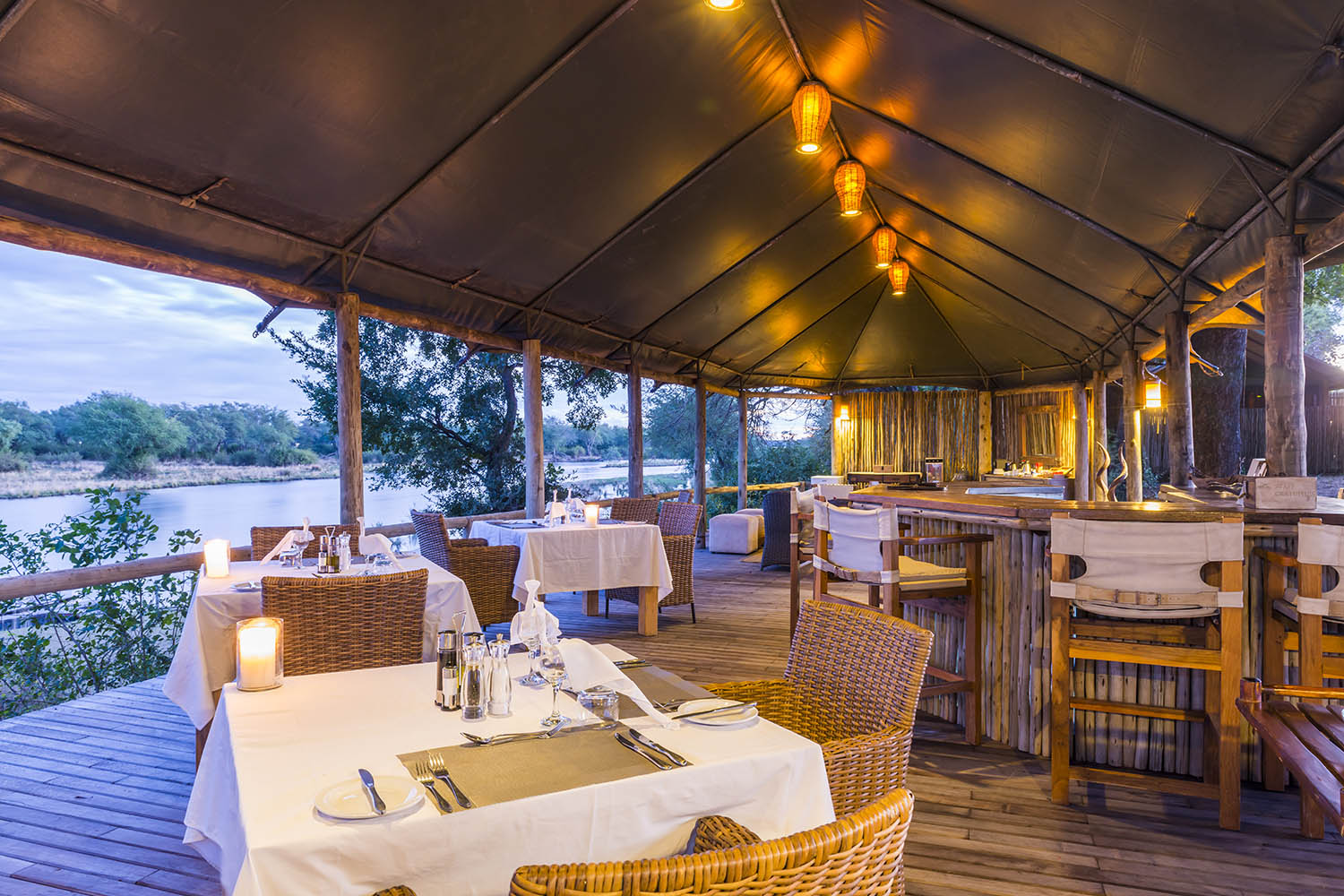 amanzi-lodge-zambia-in-style-safari-packages-lodges-lower-zambezi-intimate-safari-fine-cuisine
