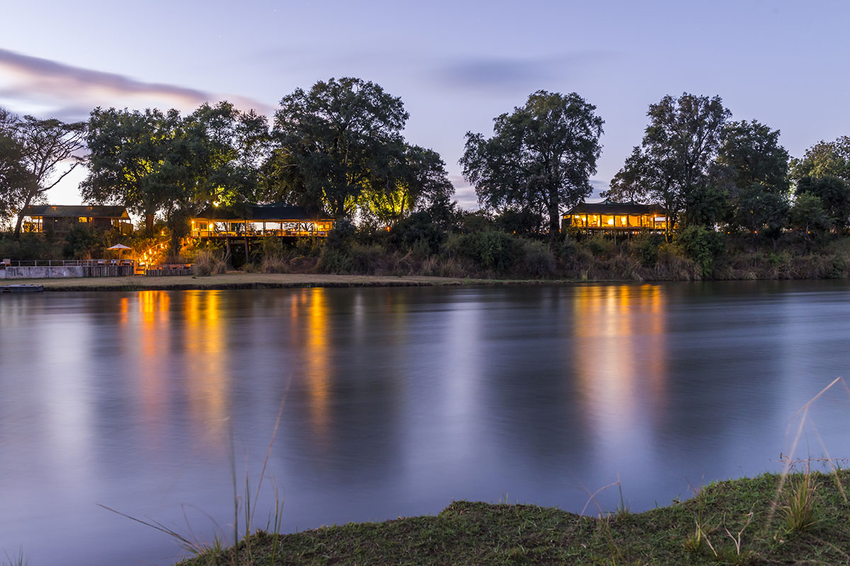 amanzi-lodge-zambia-in-style-safari-packages-lodges-lower-zambezi-national-park-luxury-tents-riverbanks-lodge