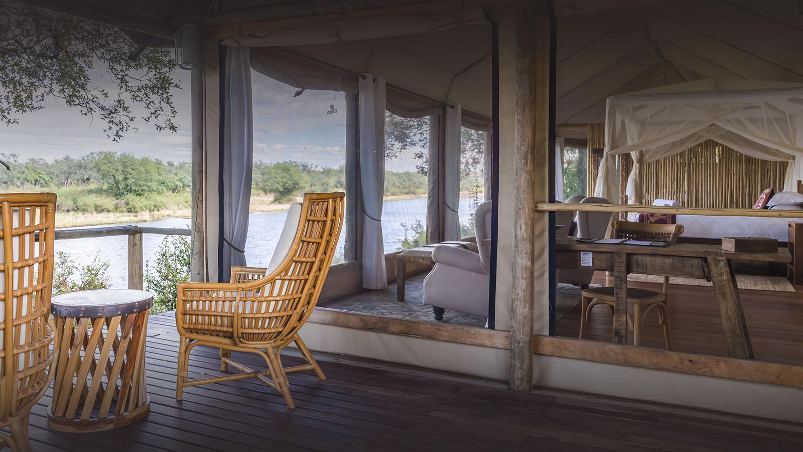 amanzi-lodge-zambia-in-style-safari-packages-lodges-lower-zambezi-rustic-intimate-safari-deck-chairs