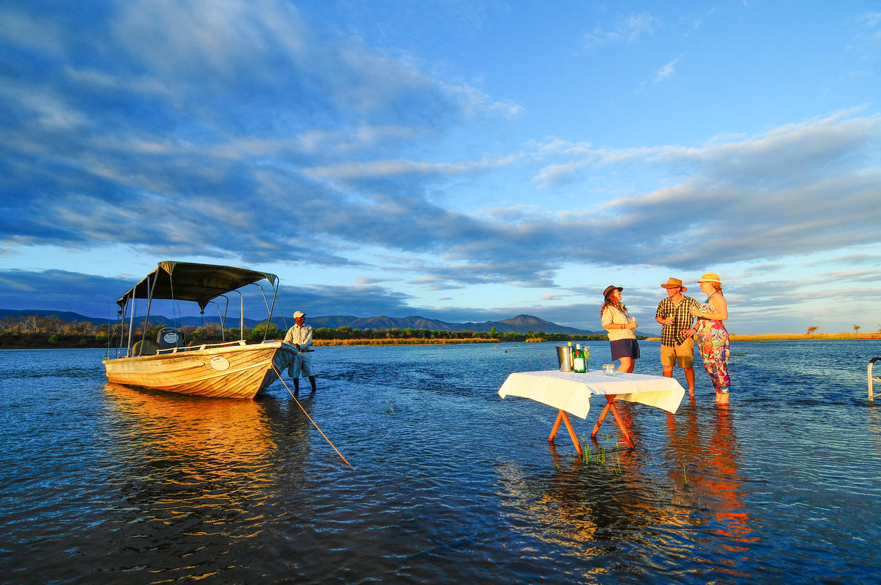 the royal zambezi zambia-in-style-safari-packages-lodges-lower-zambezi-adventure-sundowners