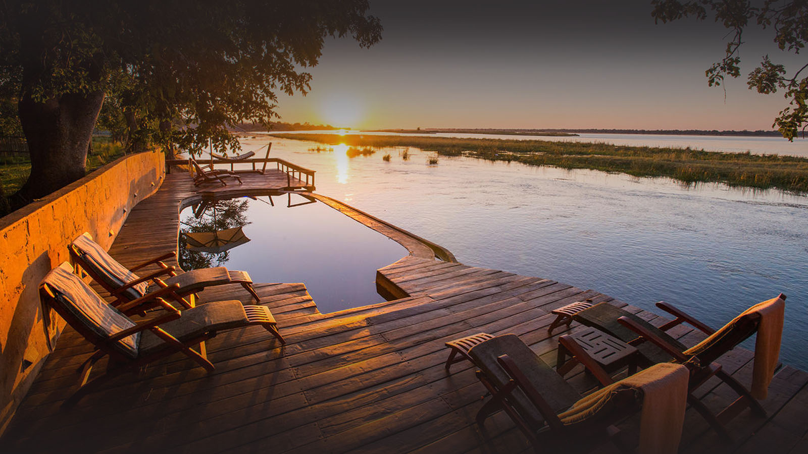 the royal zambezi zambia-in-style-safari-packages-lodges-lower-zambezi-swimming-pool-views