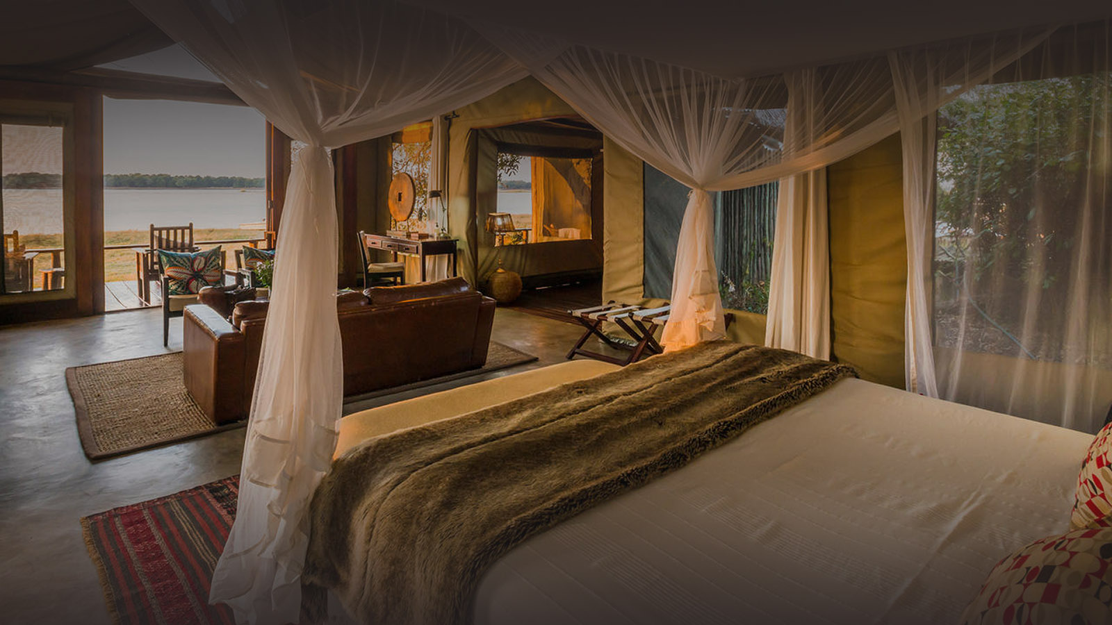 royal zambezi lodge zambia-in-style-safari-packages-lodges-lower-zambezi-national-park-deluxe-suite-bed