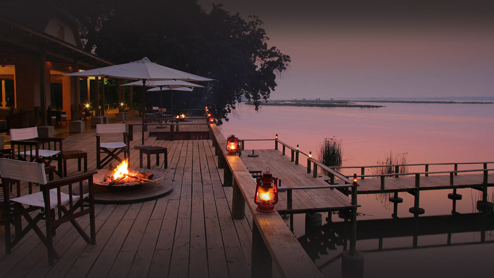 the royal zambezi zambia-in-style-safari-packages-lodges-lower-zambezi-terrace-evening
