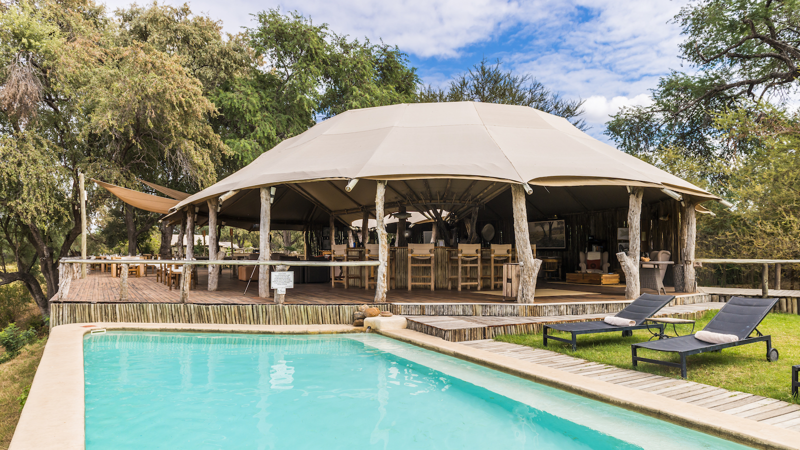 Anabezi Lodge