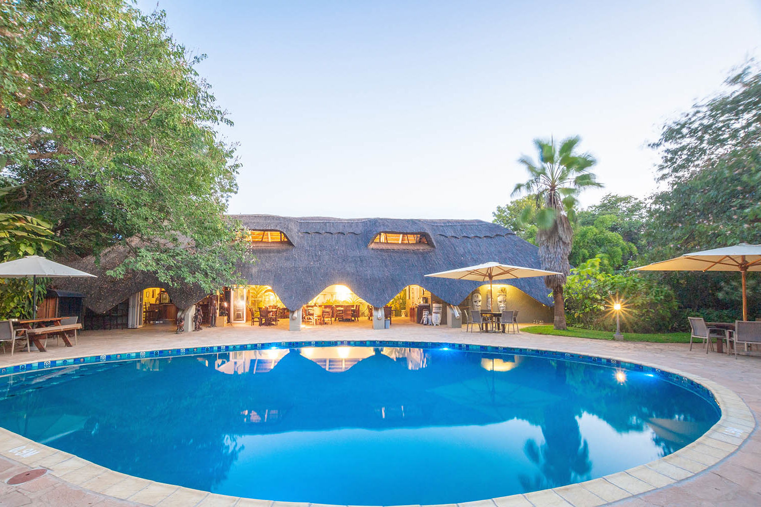 bayete guest lodge victoria-falls-accommodation-zimbabwe-zambia-in-style-central-area-pool-views