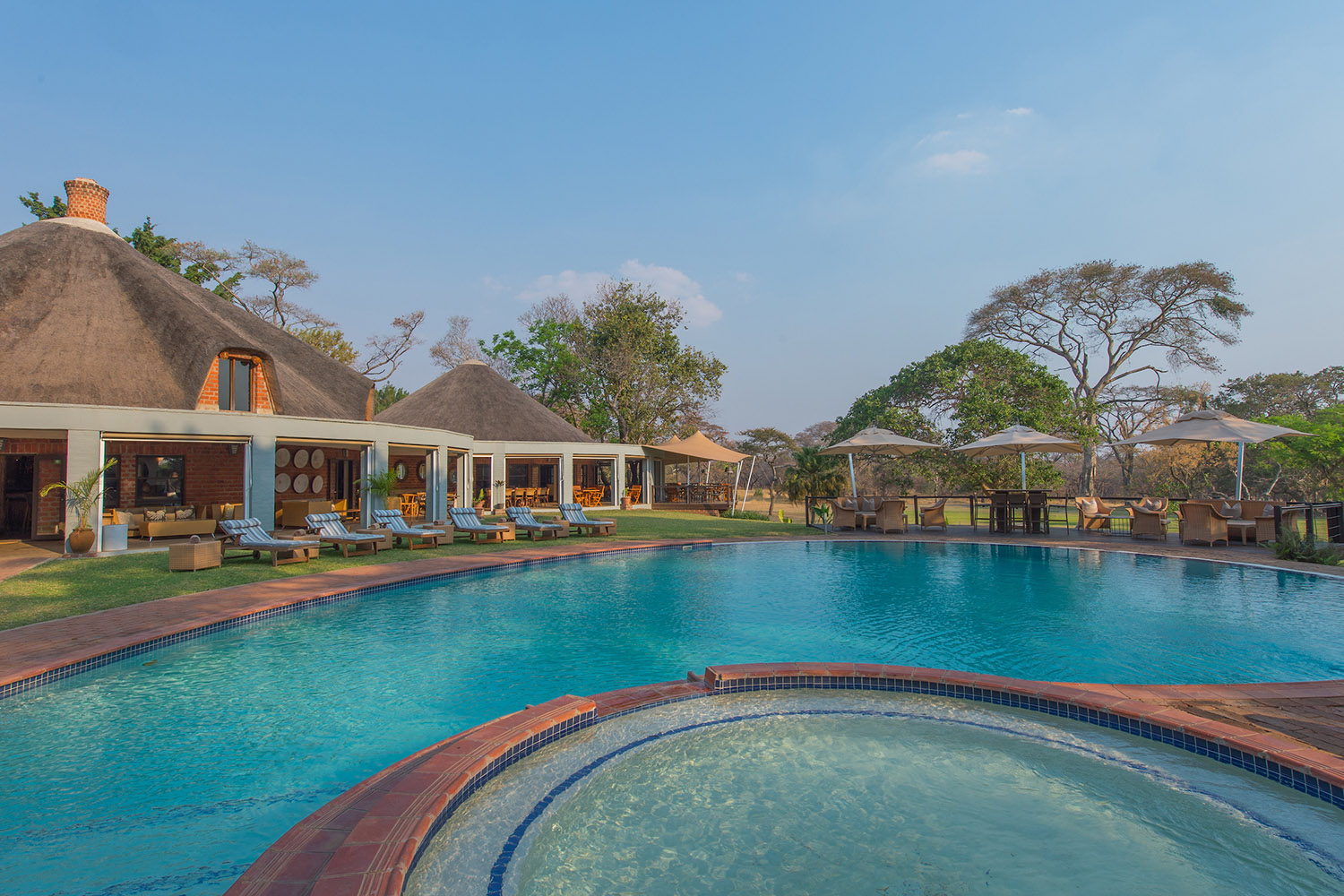 lilayi lodge zambia-in-style-tours-safari-packages-lodges-lusaka-swimming-pool