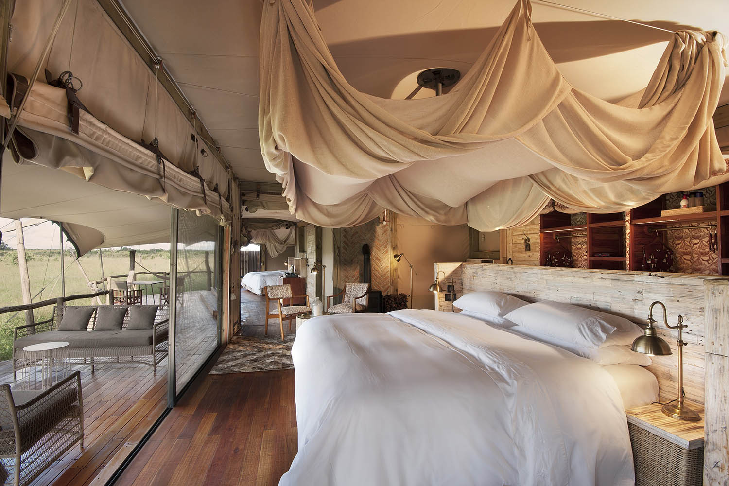 somalisa acacia zimbabwe-lodges-zambia-in-style-safaris-wildlife-africa-hwange-national-park-main-area-bed