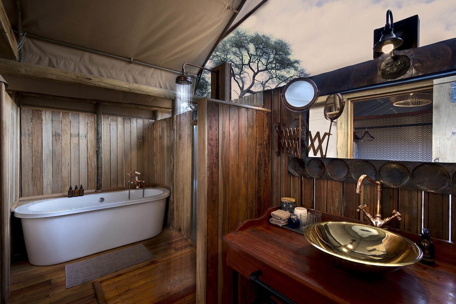 somalisa expeditions zimbabwe-zambia-in-style-hwange-national-park-african-bush-camps-traditional-safari-experience-bath