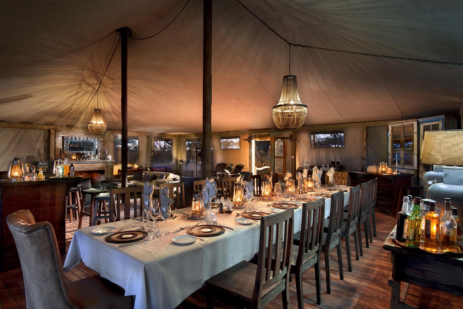 somalisa expeditions zimbabwe-zambia-in-style-hwange-national-park-african-bush-camps-traditional-safari-experience-dining