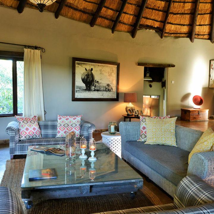 amalinda lodge matopos-national-park-lodges-zimbabwe-accommodation-homestead-lounge