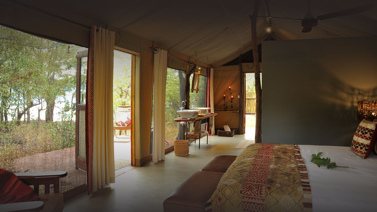 changa safari camp lake-kariba-zimbabwe-deluxe-tent-room
