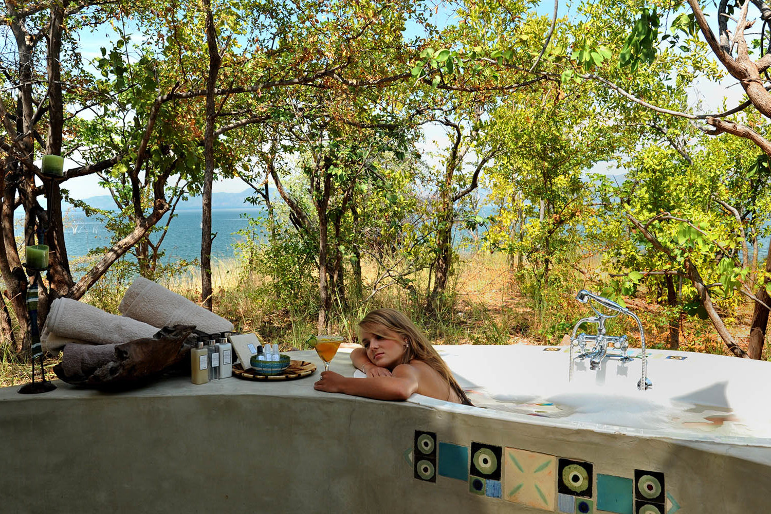 changa safari camp lake-kariba-zimbabwe-zambia-in-style-authentic-safari-experience-outdoor-bath-with-a-view