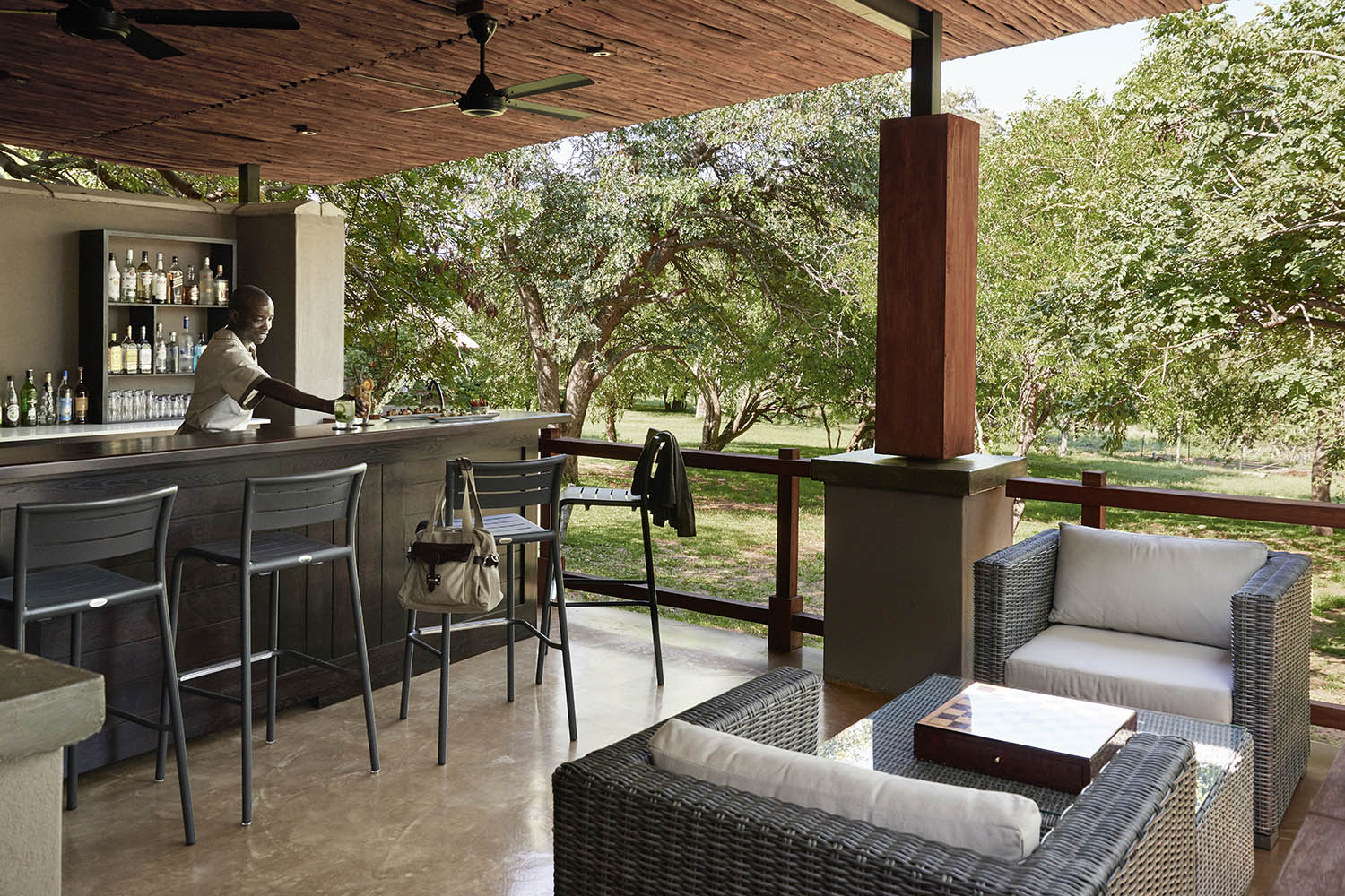 chobe chilwero botswana-lodges-zambia-in-style-chobe-national-park-bar