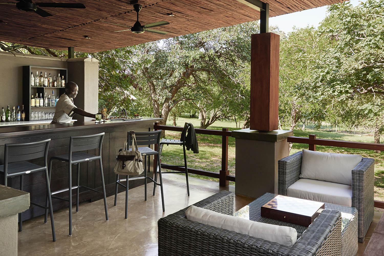 chobe chilwero botswana-lodges-zambia-in-style-chobe-national-park-bar