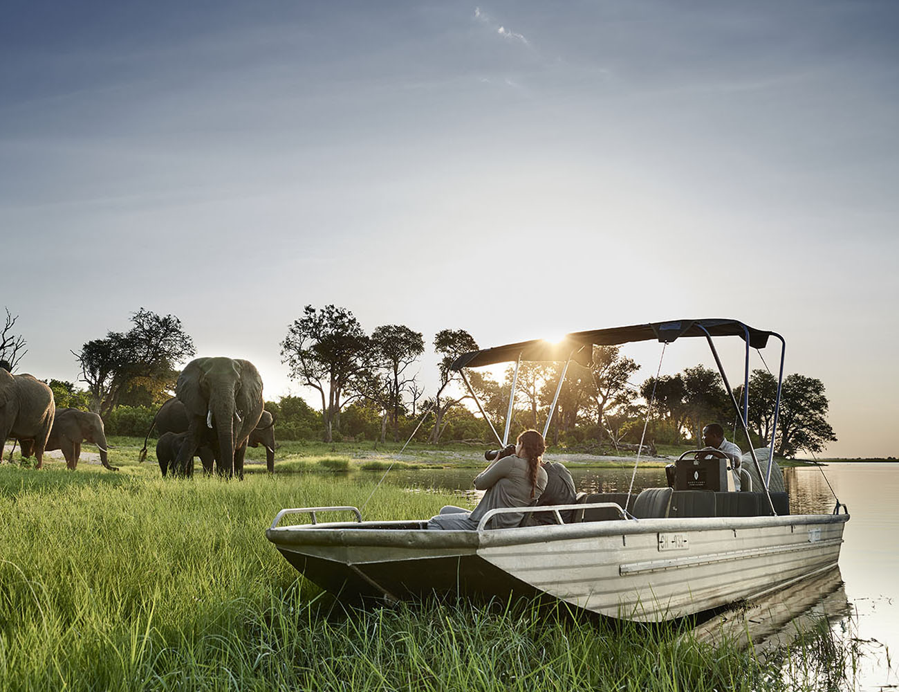 chobe chilwero botswana-lodges-zambia-in-style-chobe-national-park-guides-boat-elephants