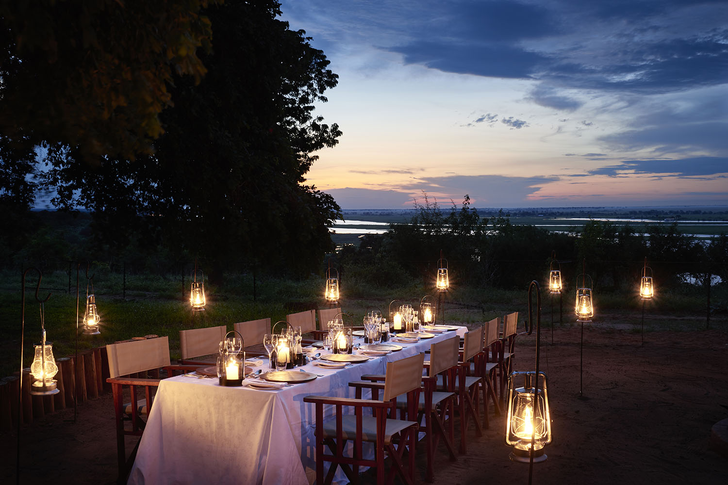 chobe chilwero botswana-lodges-zambia-in-style-chobe-national-park-lodge-dining-evenings