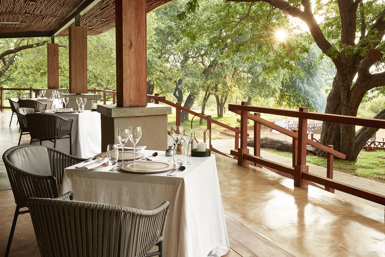 chobe chilwero botswana-lodges-zambia-in-style-chobe-national-park-lodge-meals
