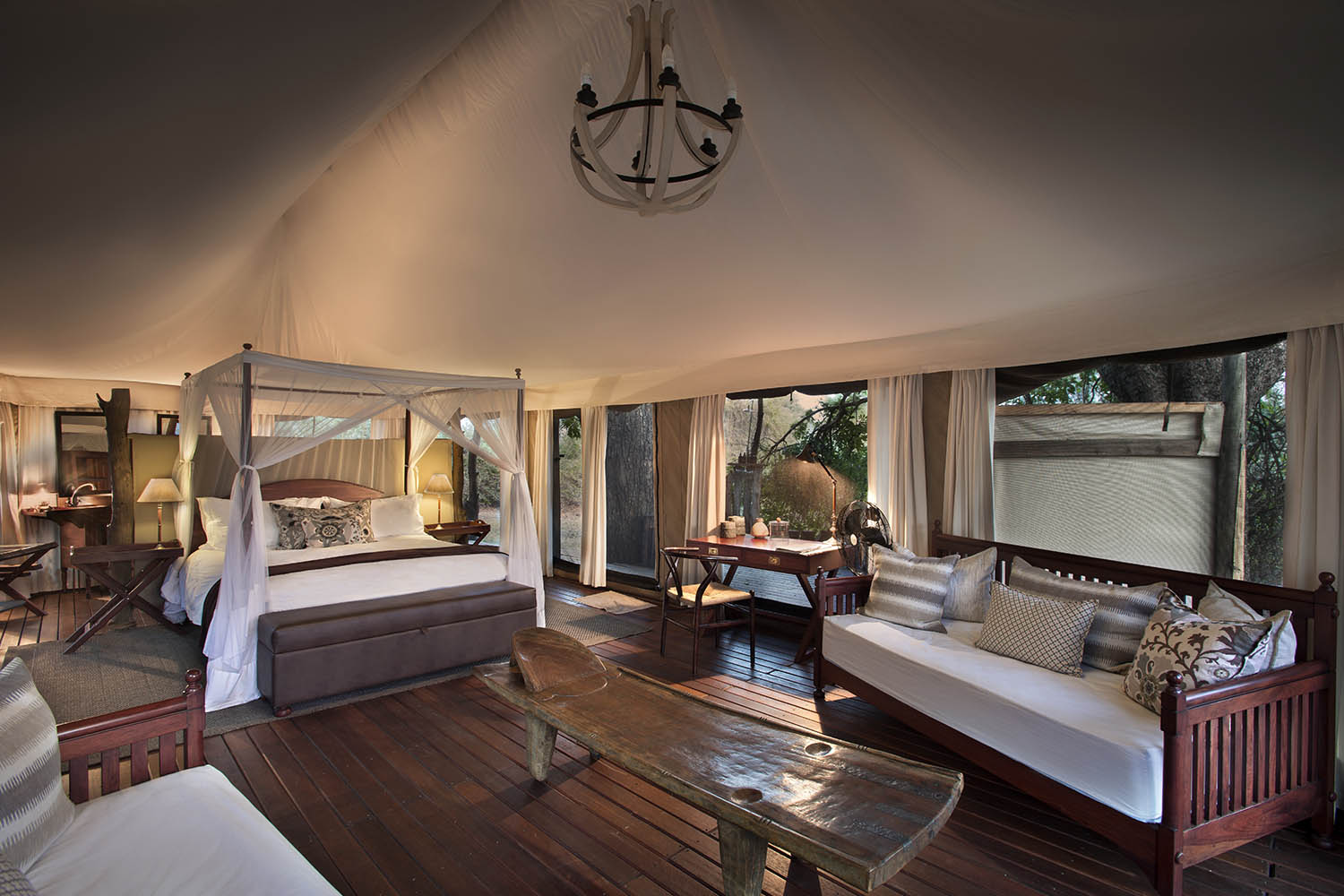 kanga bush camp mana-pools-national-park-lodges-zimbabwe-accommodation-african-bush-camps-bedroom
