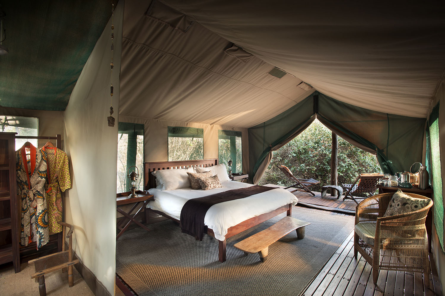 kanga bush camp mana-pools-national-park-lodges-zimbabwe-accommodation-remote-location-bedroom
