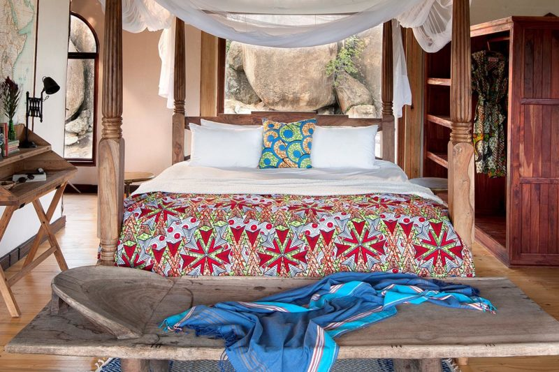 khayelitshe house matobo-hills-national-park-zimbabwe-lodges-the-house-bed