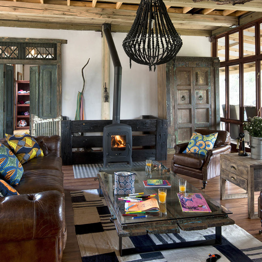 khayelitshe house matobo-hills-national-park-zimbabwe-lodges-the-house-fireplace-lounge