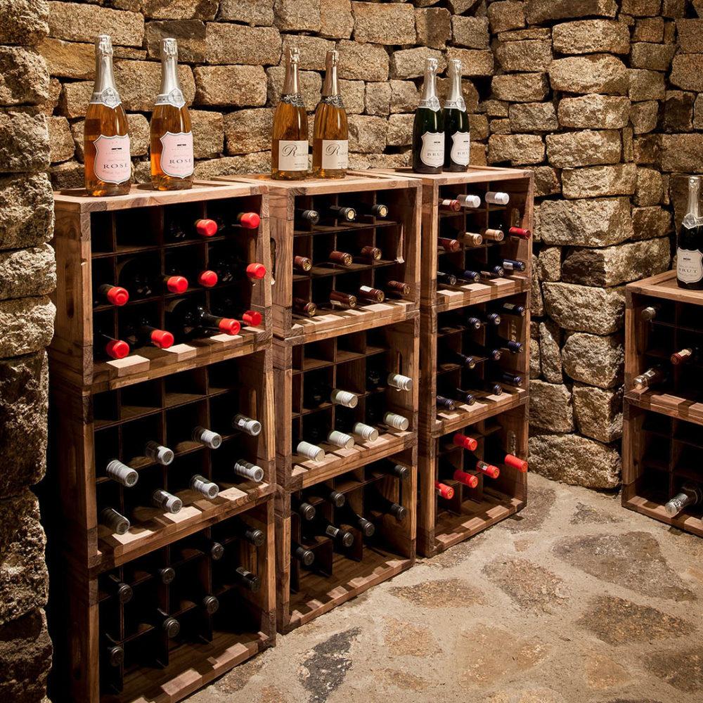 khayelitshe house matobo-hills-national-park-zimbabwe-lodges-the-house-wine