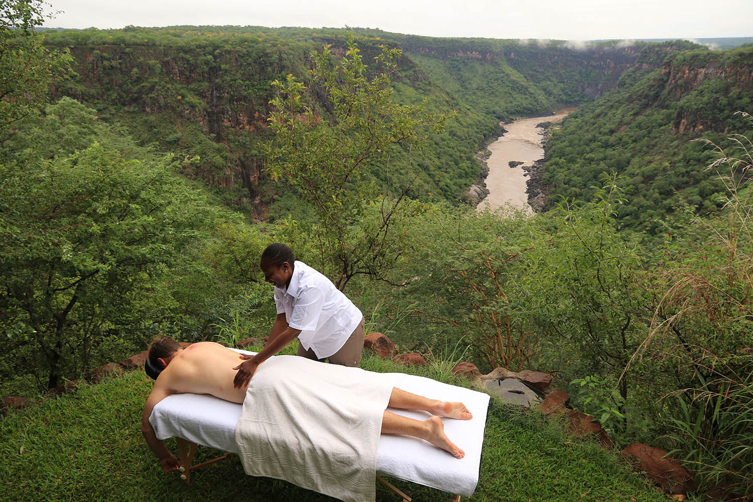 little gorges tented lodge imvelo-victoria-falls-zimbabwe-accommodation-tranquil-location-spa-treatment