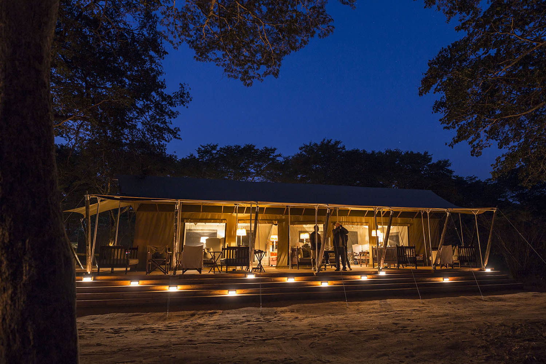verneys machaba hwange-national-park-intimate-safari-experience-zimbabwe-accommodation-location-camp-evening