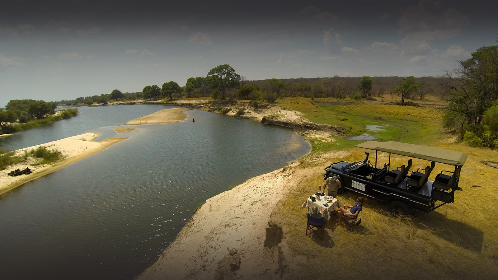 zambezi sands river camp victoria-falls-zimbabwe-accommodation-imvelo-safari-lodges-zambezi-national-park-lunch