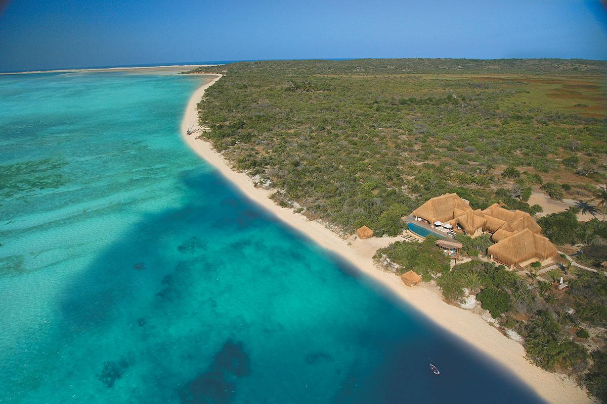 azura benguerra mozambique-lodges-zambia-in-style-presidential-villa