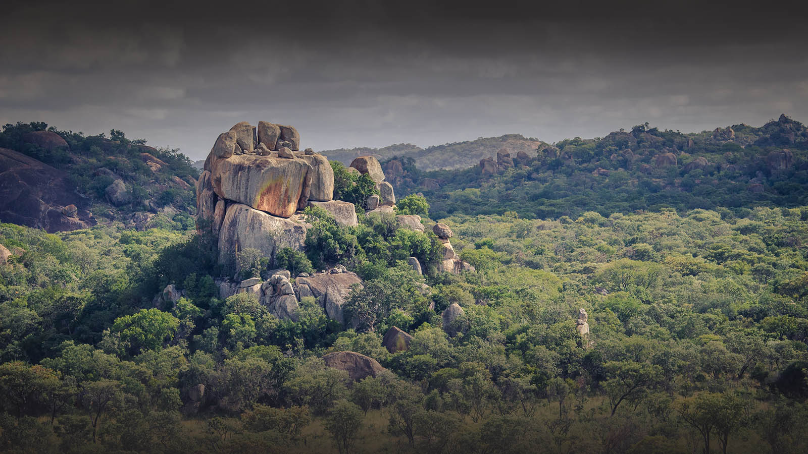 big cave camp matobo-hills-national-park-zimbabwe-rocks-mountains