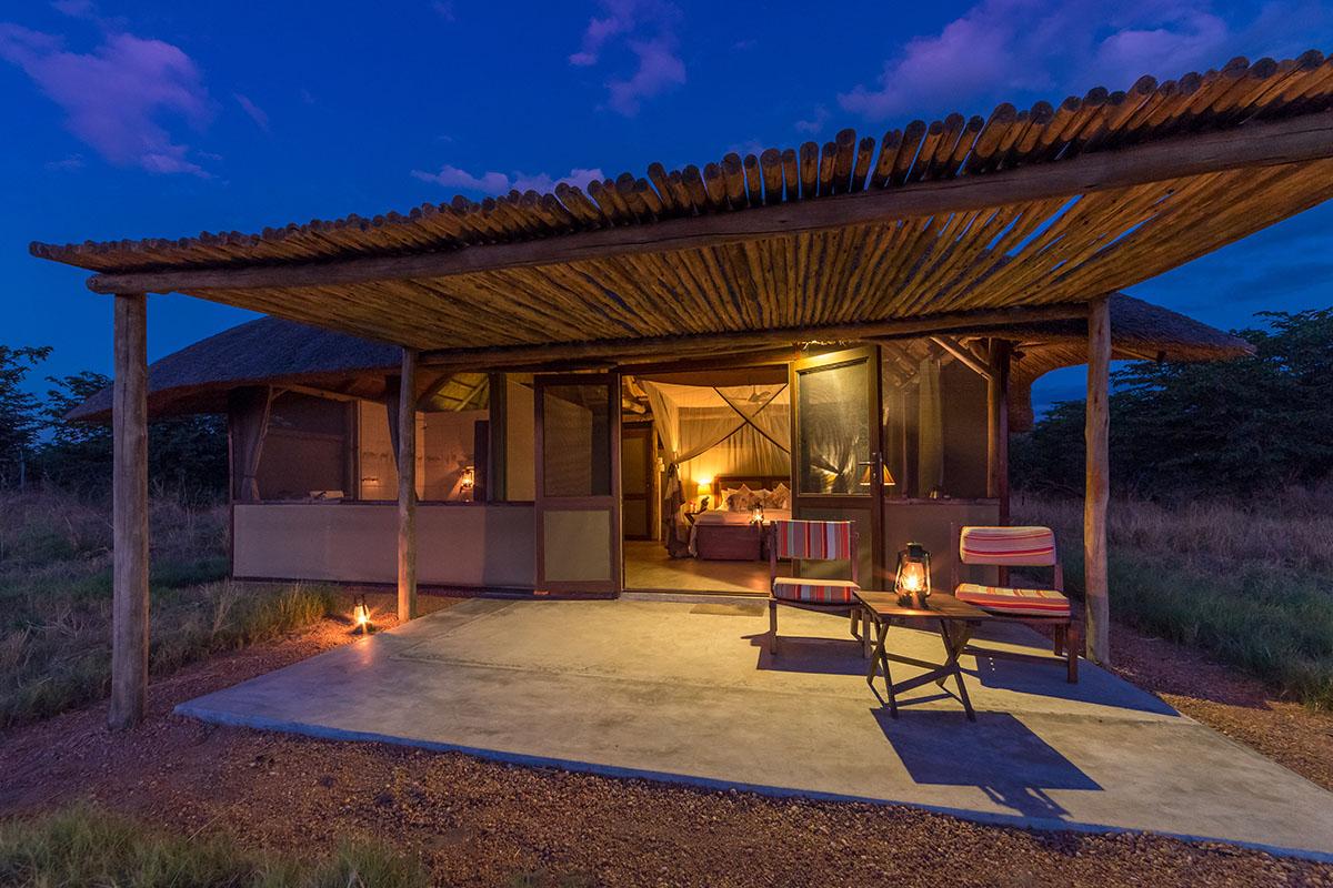 camp hwange hwange-national-park-zimbabwe-lodges-chalet-evening