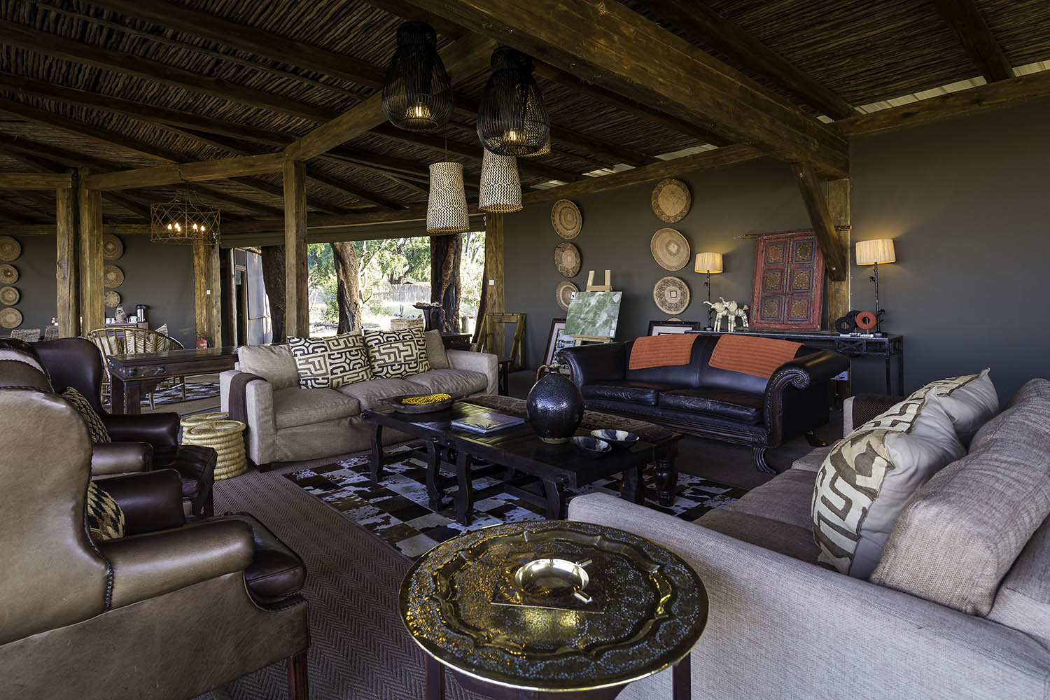 davisons camp hwange-national-park-zimbabwe-lodges-wilderness-classic-safari-lounge-area