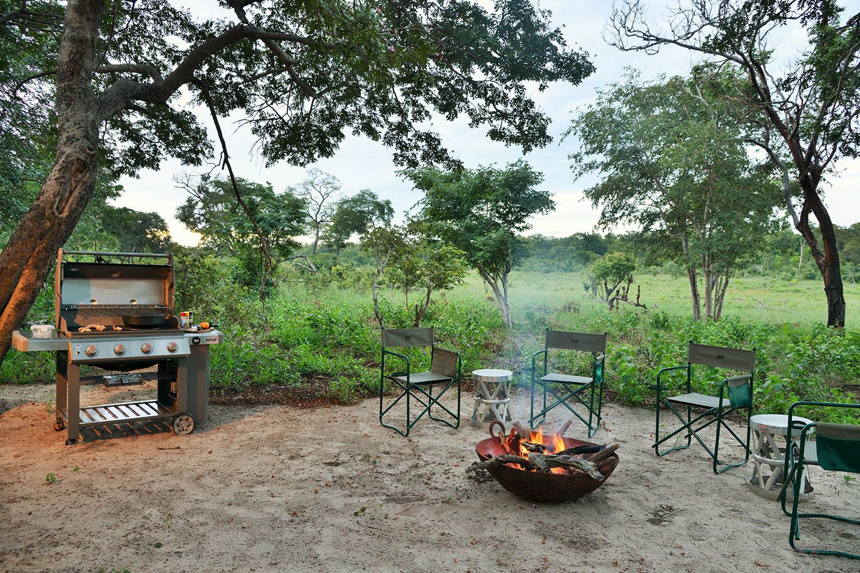 khulus retreat hwange-national-park-zimbabwe-lodges-the-amalinda-collection-camp-fire-food