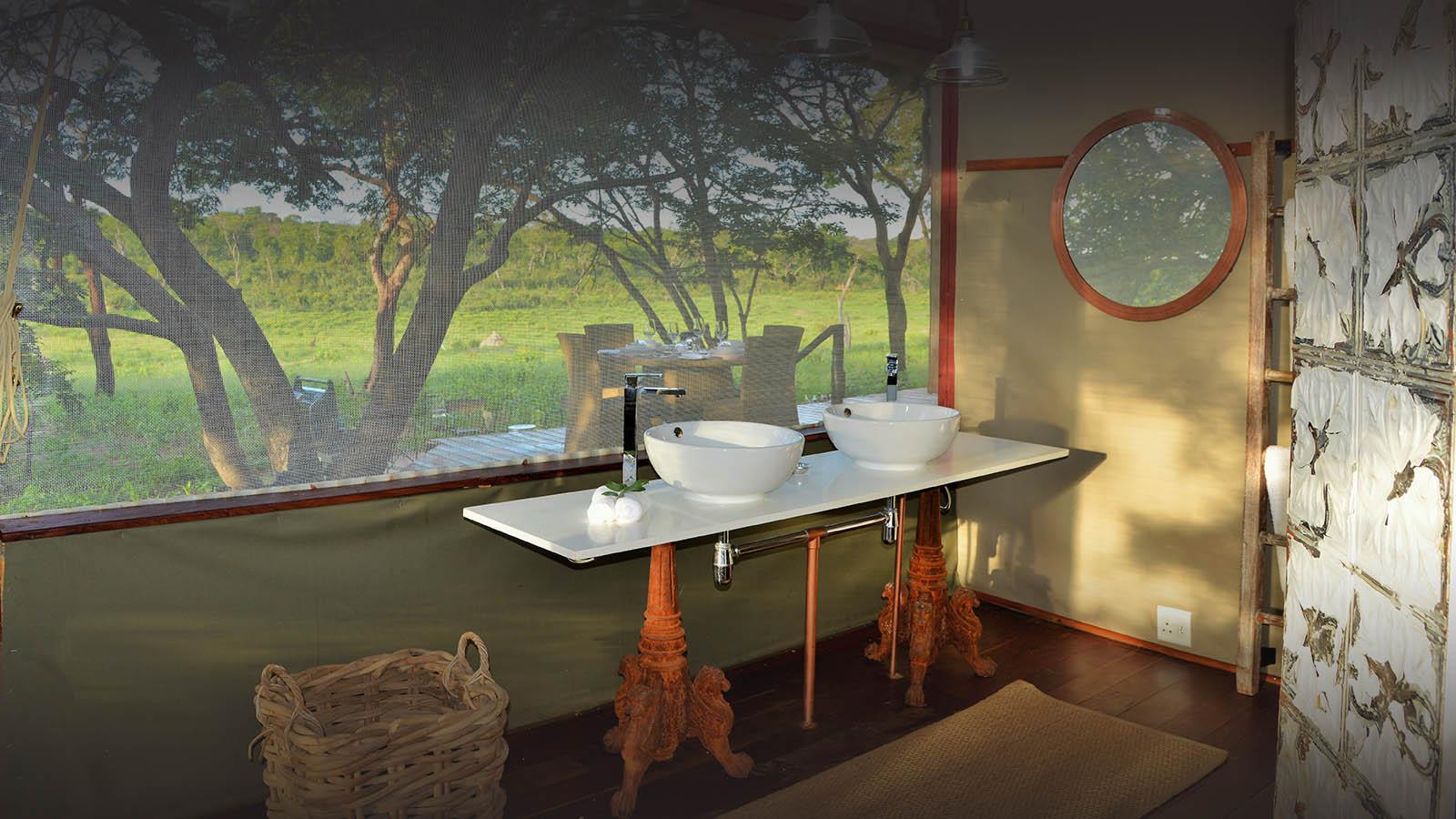 khulus retreat hwange-national-park-zimbabwe-lodges-villa-bathroom-basin