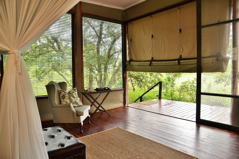 khulus retreat villa-hwange-national-park-zimbabwe-lodges-accommodation-room-chair