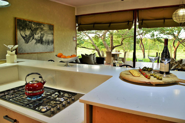 khulus retreat villa-hwange-national-park-zimbabwe-lodges-the-amalinda-collection-kitchen