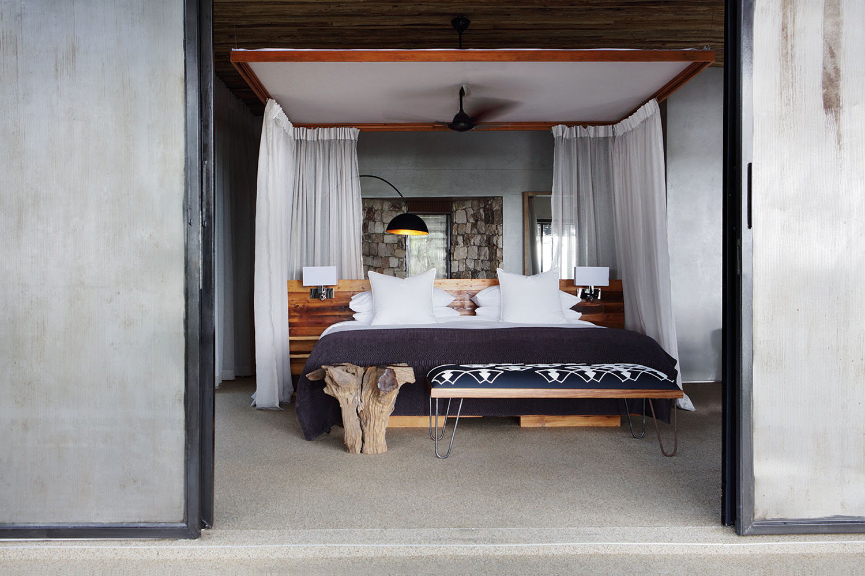 matetsi river lodge victoria-falls-zimbabwe-lodges-accommodation-matetsi-house-suite-bed
