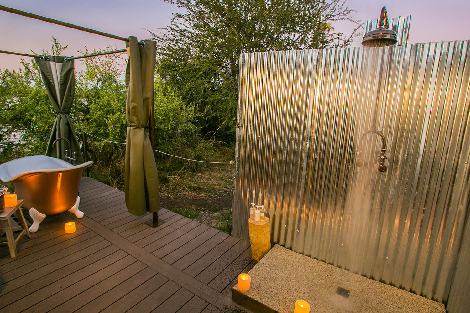 old drift lodge victoria-falls-zimbabwe-luxurious-accommodation-outdoor-shower