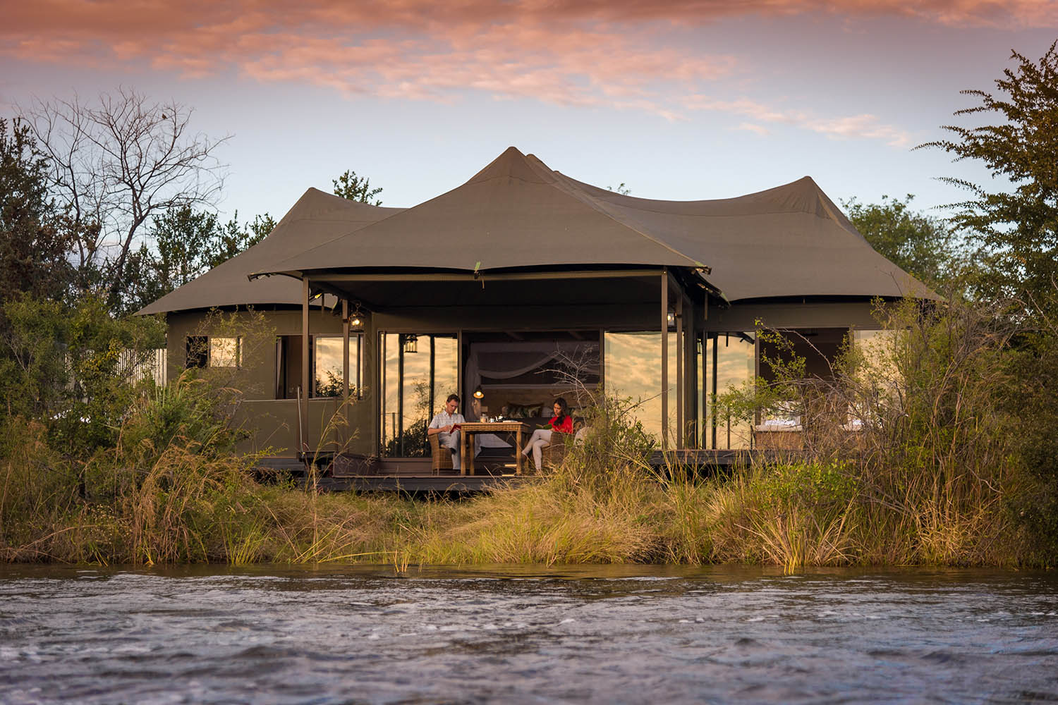 old drift lodge victoria-falls-zimbabwe-luxurious-accommodation-rooms-exteriors