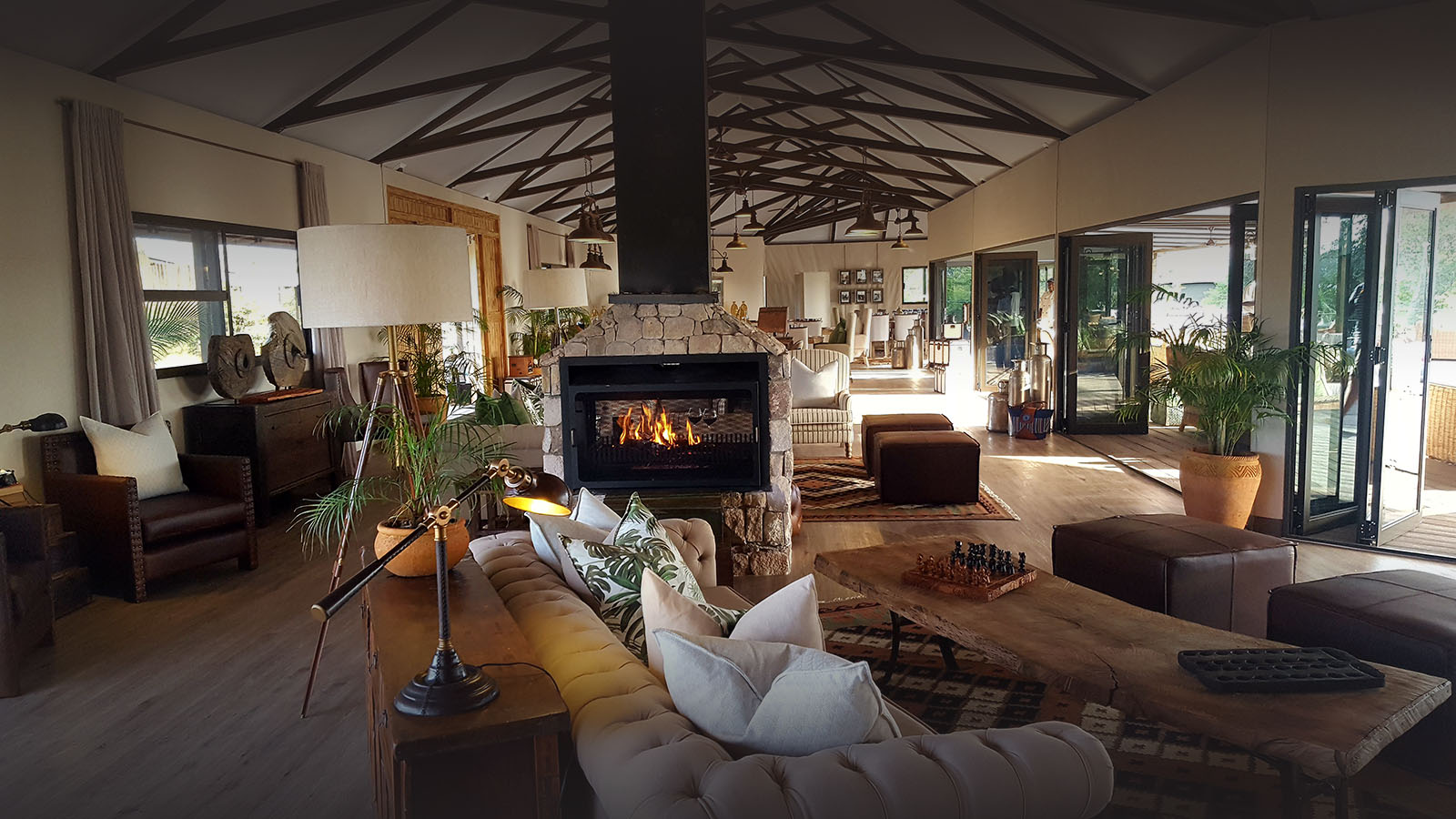 old drift lodge victoria-falls-zimbabwe-luxury-accommodation-bar-lounge