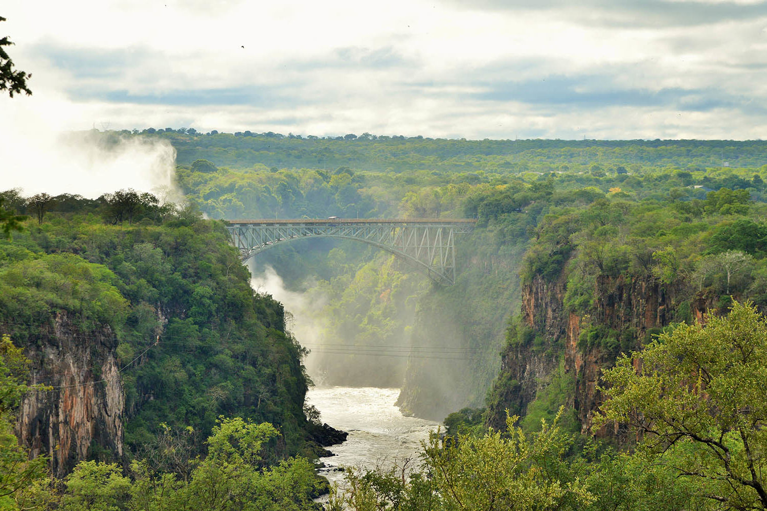 victoria falls hotel zimbabwe-accommodation-elegant-luxury-hotel-falls-view