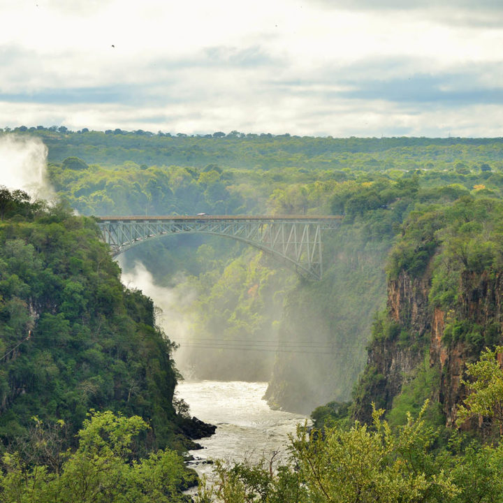 victoria falls hotel zimbabwe-accommodation-elegant-luxury-hotel-falls-view
