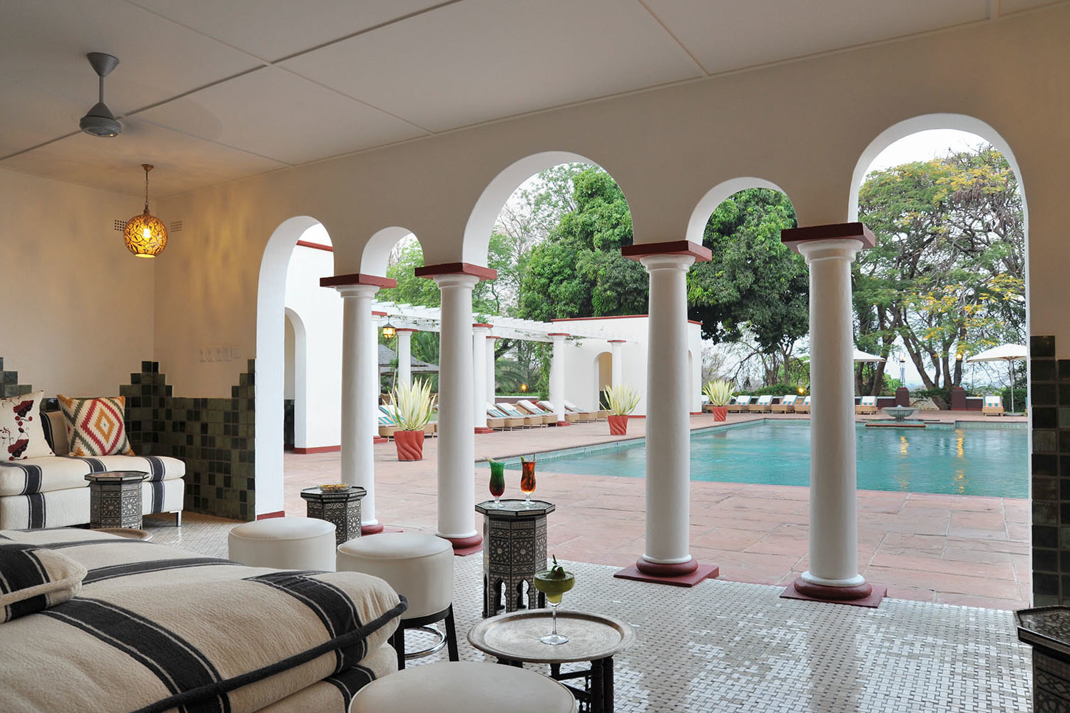 victoria falls hotel zimbabwe-accommodation-elegant-luxury-hotel-pool